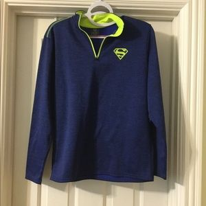 Superman activewear pullover size small
